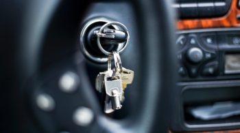 A chave do carro não funciona. O que fazer?